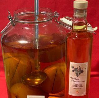 bottiglia grappa aromatizzata